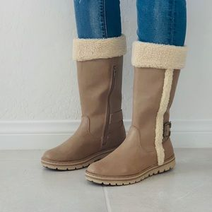 NIB Sherpa Style Cold Weather Winter Cozy Boots